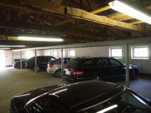 Parkstall-Garage und Abstellmöglichkeit für Kinderwagen, Räder, Boote, etc.