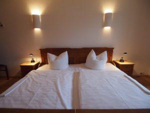 Doppelbett 200x200 mit durchgendem Liegekomfort